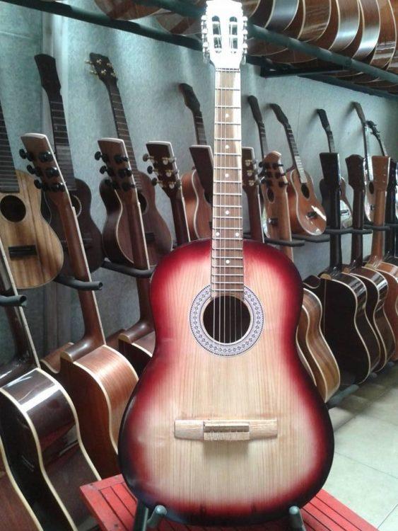 đàn guitar giá rẻ chất lượng kém