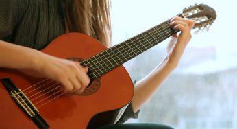 Cảm Âm Guitar Là Gì? Cách Để Tăng Khả Năng Cảm Âm